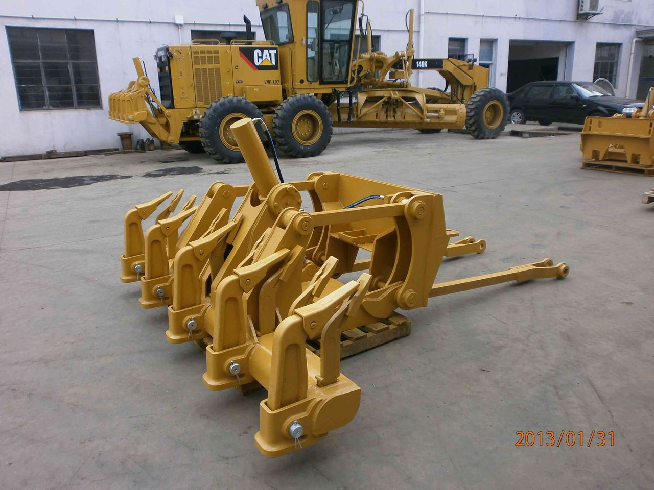 Picture of Grader CAT 12H/G multishank rippers