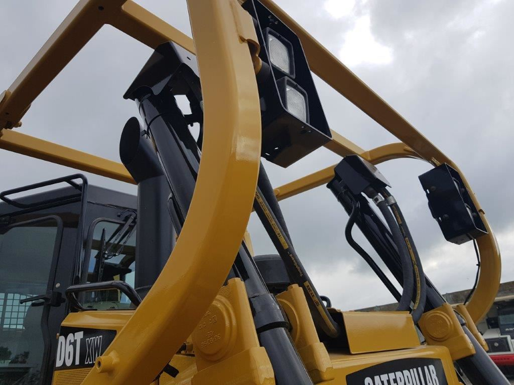 Picture of Caterpillar D6T XW